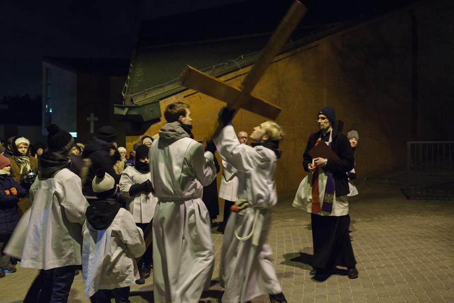 Droga Krzyżowa ulicami ulicy - procesja