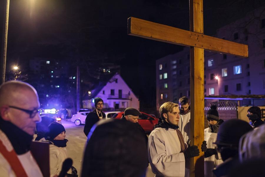 Droga Krzyżowa ulicy - procesja, stacja naulicy Kujawskiej
