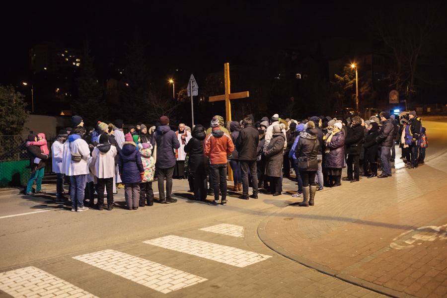Droga Krzyżowa ulicami dzielnicy - stacja przy SKM Sopot Kamienny Potok